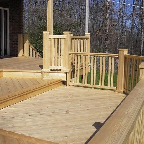 145mm x 22mm Smooth Siberian Larch Softwood Garden Decking & Complimenting Balustrade