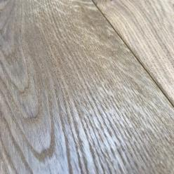 190 x 21mm Smoked/ Brushed White Oiled Oak Flooring