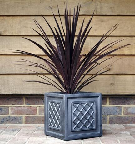 Faux Lead Clayfibre Windsor Square Box Garden Planter