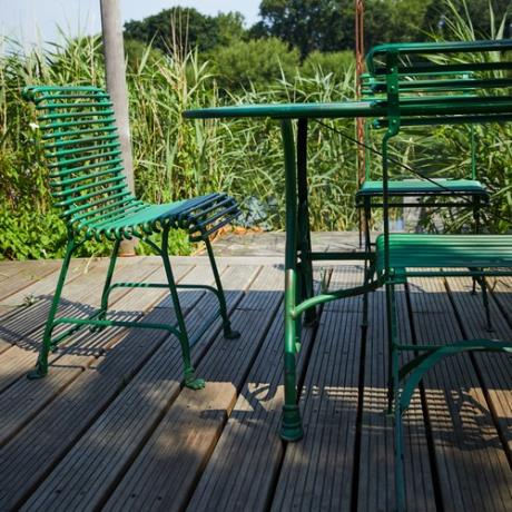 Green Claw Feet Chair Seat Garden Furniture